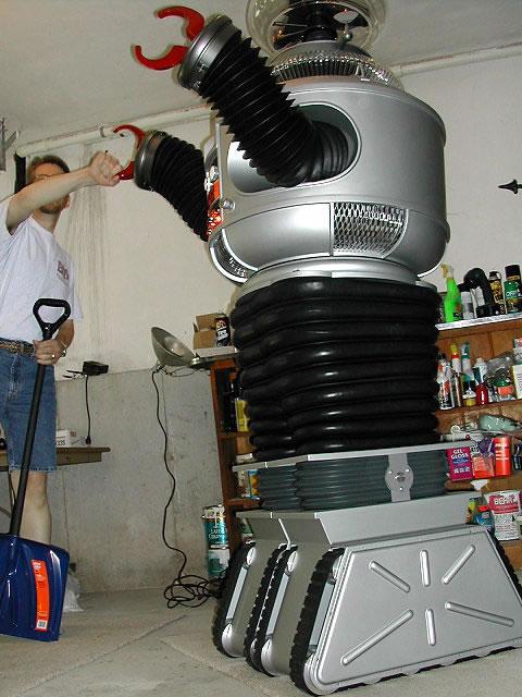 the b9 robot builders club. Black Bedroom Furniture Sets. Home Design Ideas